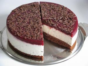 Stracciatella Joghurt Kirsch Torte